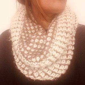 Zara chunky knit infinity scarf